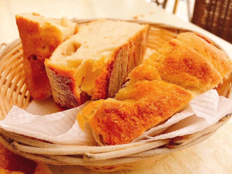 ヘレス「メソン・デル・アサドール」のパン