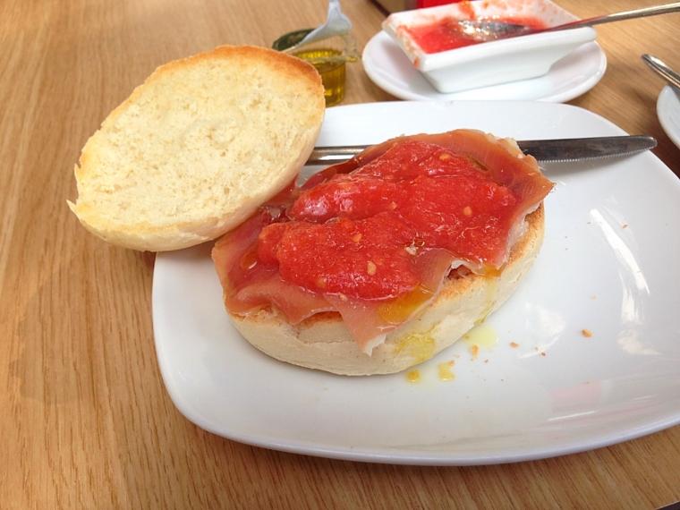スペイン朝食 トスターダ チピオナ