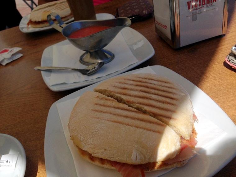 スペイン朝食 トスターダ カサベルメハ