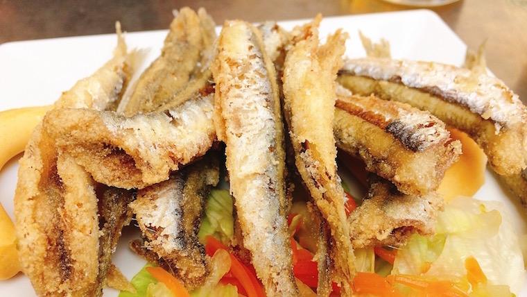 セビリア『フェリア市場』の場外バルで絶対食べるべきもの