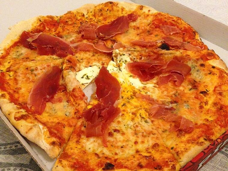 セビリアのピザ屋のピザ