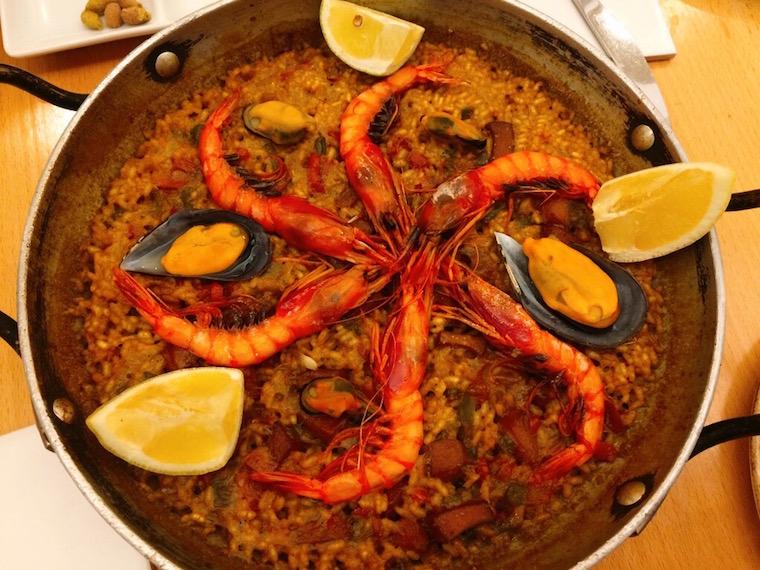 バルセロナ5Jのパエリア