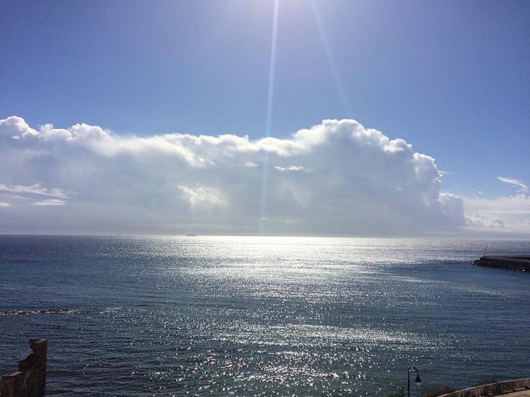 タリファのグスマン城壁から見たジブラルタル海峡