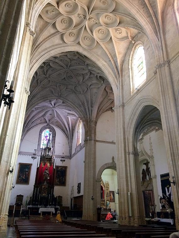 タリファの教会の内部