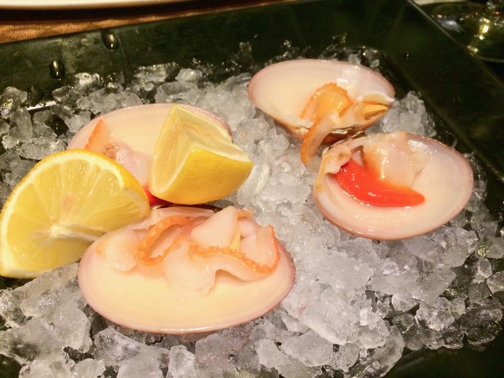 グラナダのレストランTintaFinaRestauranteの貝