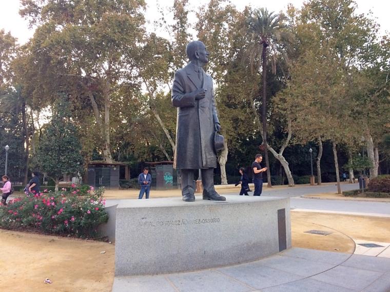 セビリアのスペイン広場の設計者