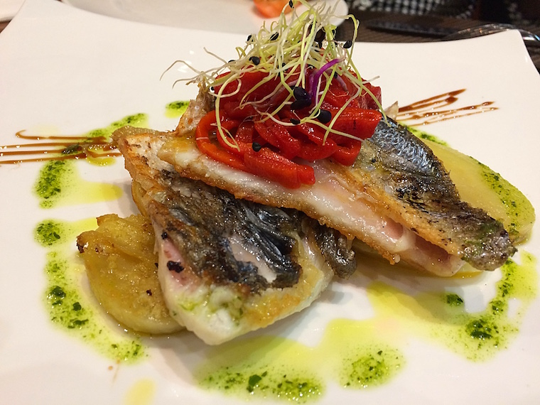 セビーリャのロブレスの魚料理
