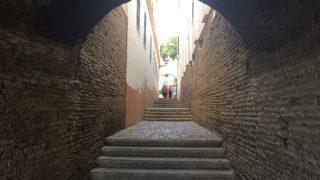 セビリアのトリアナ地区の小道