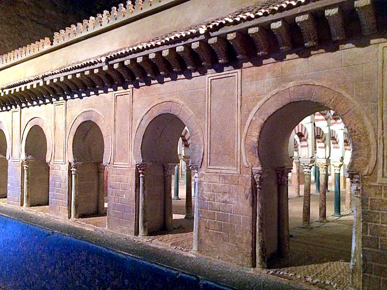 コルドバのカラオーラの塔の博物館のメスキータの模型