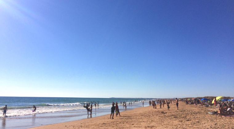 カディスの素敵なビーチ「エル・パルマール」で波と戦った