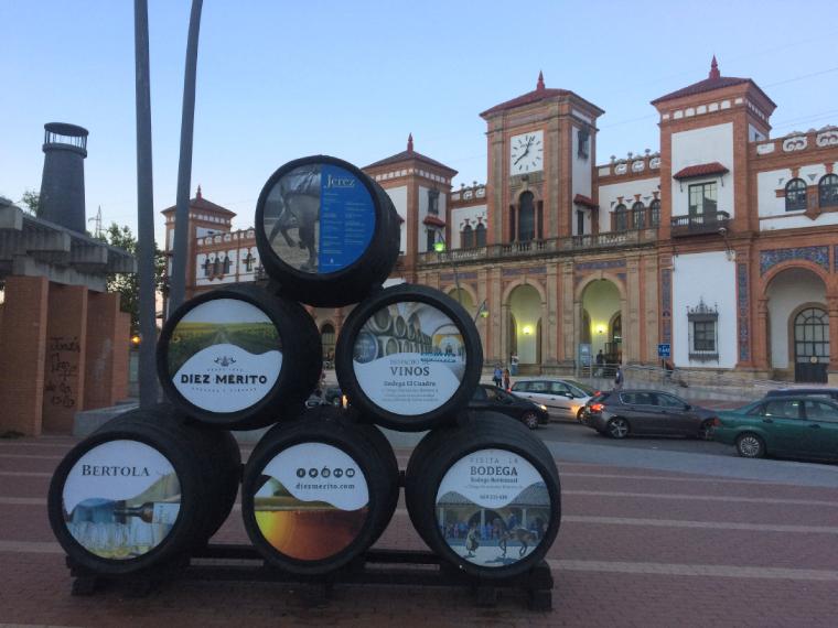 ヘレスの中心部にあるシェリー酒の樽