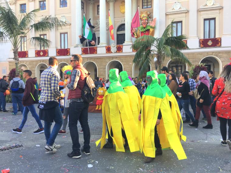 カディスのカーニバルの仮装