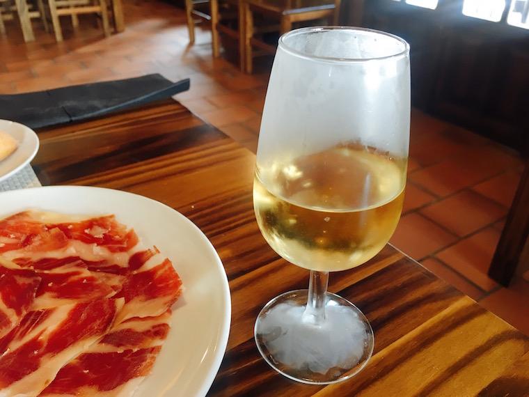 ハブーゴのレストランのシェリー酒(fino quinta)