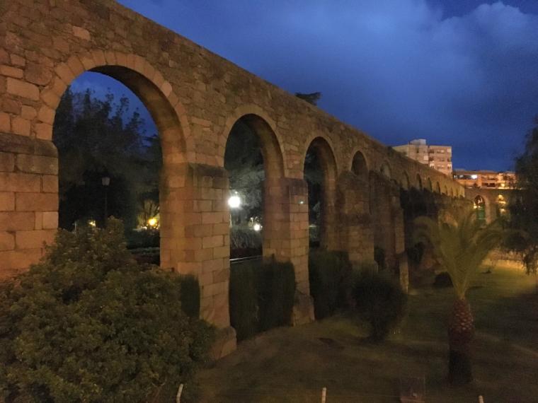 プラセンシアの水道橋