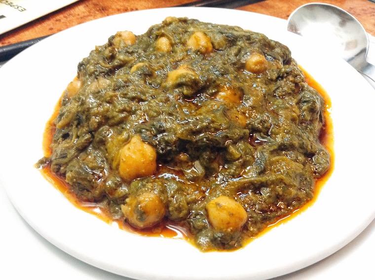 セビリアのバル「kiko de la chali」のほうれん草とひよこ豆の煮込み