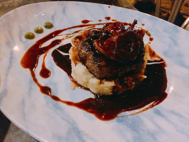セビリアのレストラン「カタリーナ」のお肉