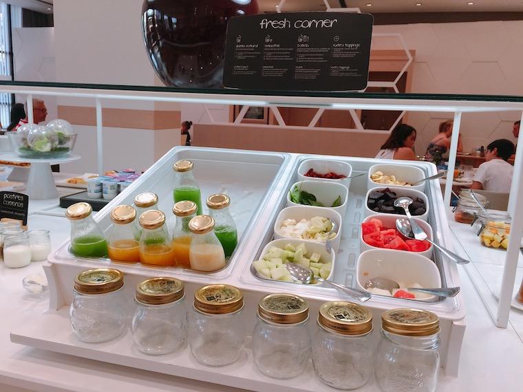 セビリアのNHホテルの朝食