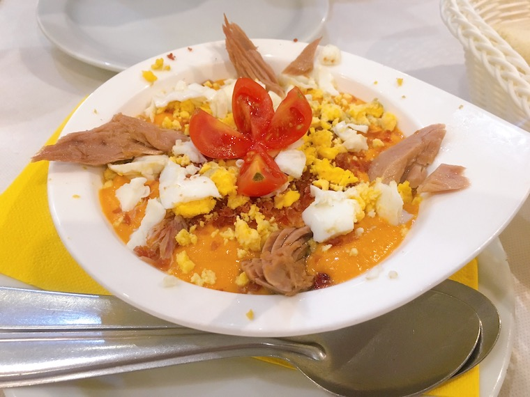 アンテケラのレストラン「Meson Adarve」のポーラ