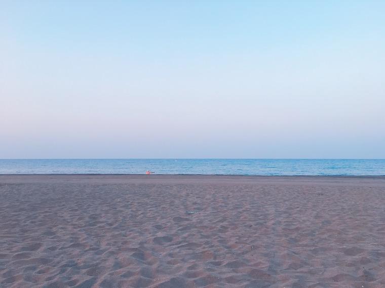 リンコン・デ・ラ・ビクトリアのビーチの朝