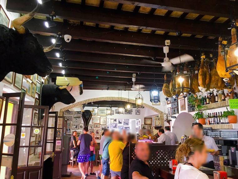 サンルーカルのバル「Casa Balbino」の店内