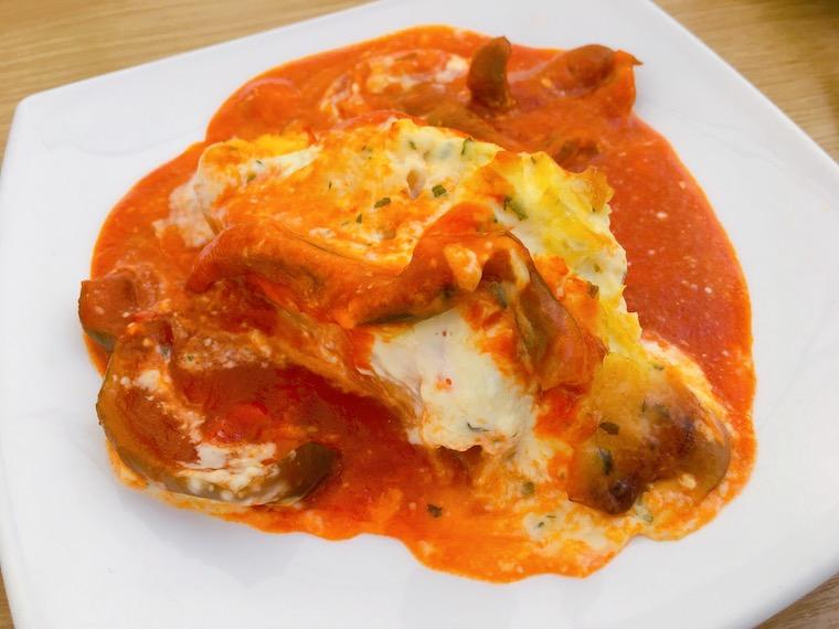 サンルーカルのバル「Taberna Juan」のタラのトマトソース