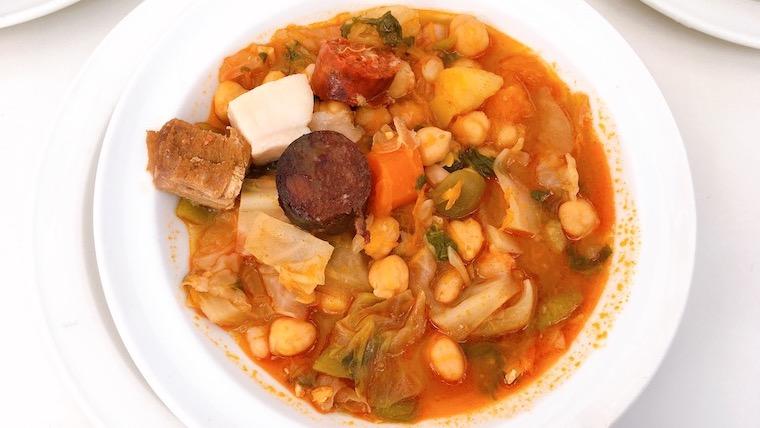 ランチの煮込み料理がおすすめ!トリアナ橋近くのバル『Casa Manolo』