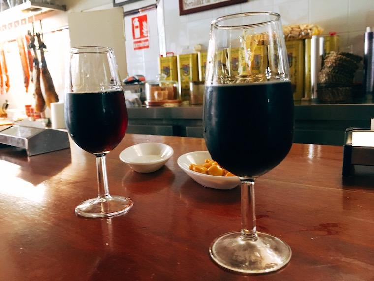 セビリアのボデガバル「bodega mateo ruiz」のシェリー酒
