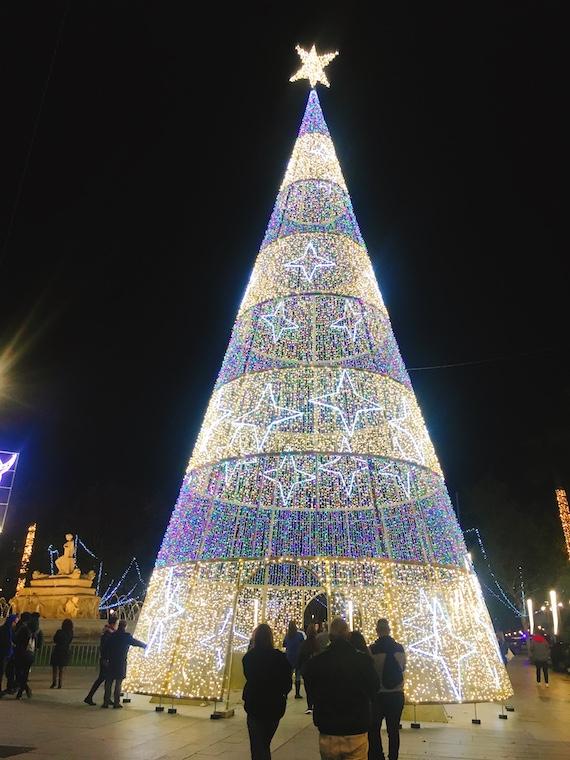 セビリアのクリスマスイルミネーション2019プエルタヘレス