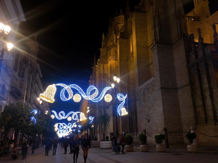 セビリアのクリスマスイルミネーション2019大聖堂前