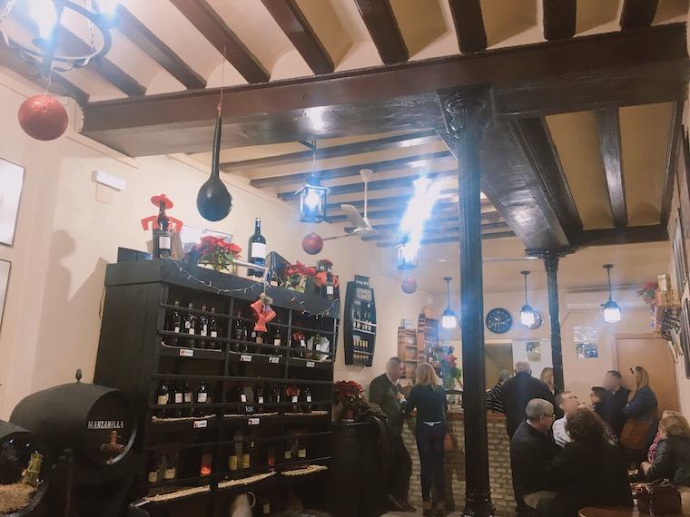 ヘレスのタバンコ「vinoteca jerezana」の店内