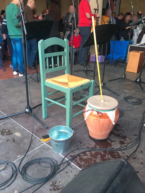 スペインの楽器サンボンバ