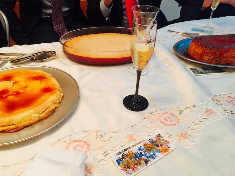 スペイン年末の家族の食事のデザート