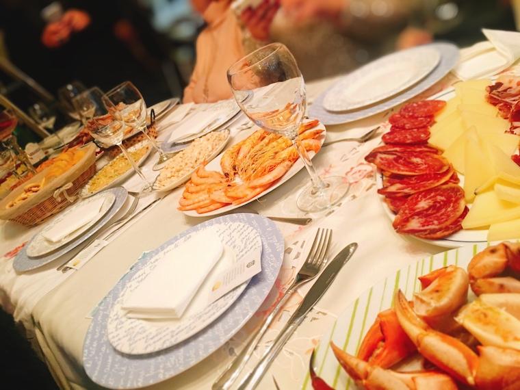スペイン年末の家族の食事