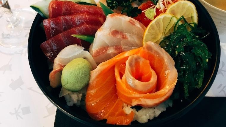 ランチの海鮮丼がおいしかった!セビリアの日本食レストラン『origami』
