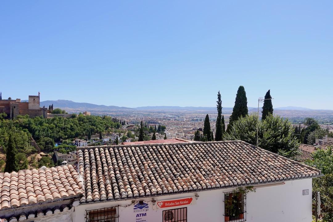 グラナダのサンニコラス展望台から見たグラナダ市街地
