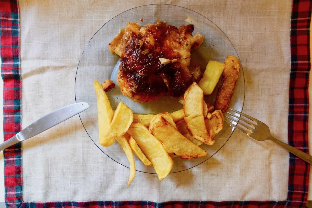 スペインの持ち帰り鶏の丸焼き