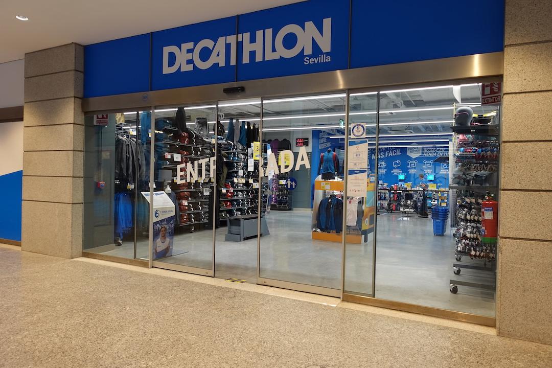 スペインのスポーツ用品店デカスロンの店舗