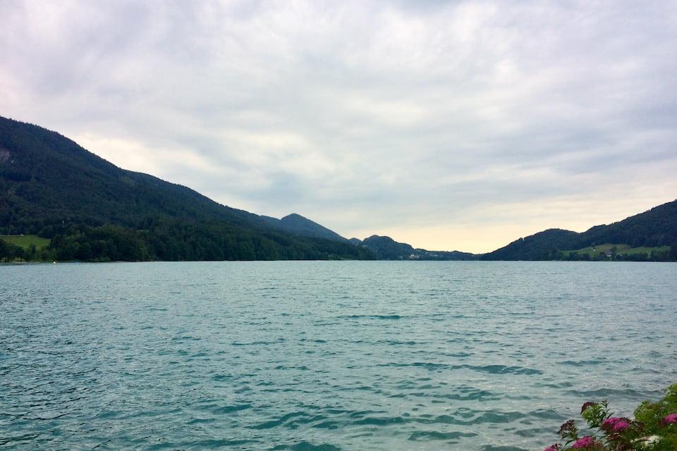 オーストリア湖水地方のフシュル湖