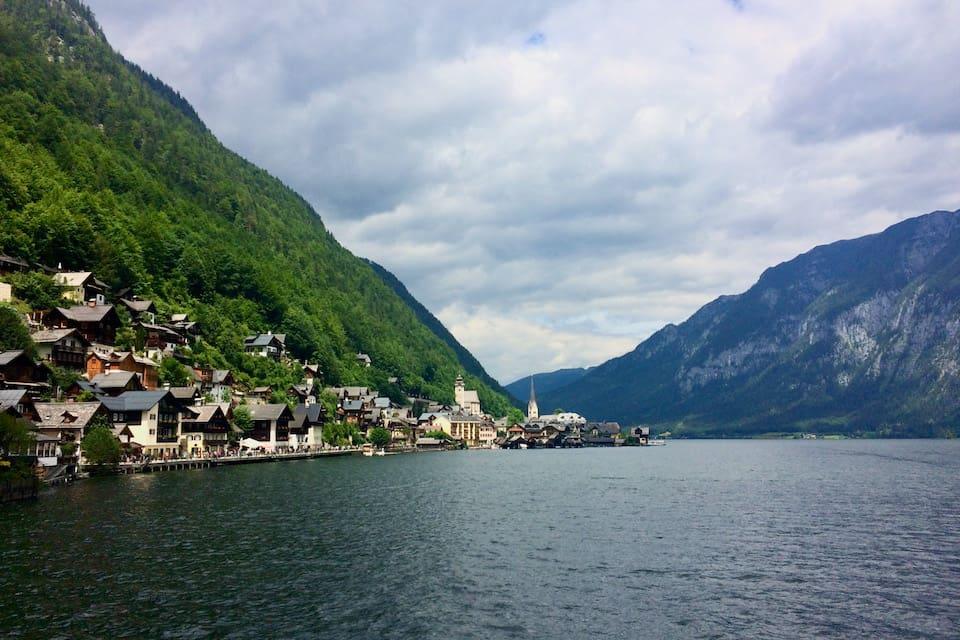 オーストリアの湖畔の町ハルシュタット