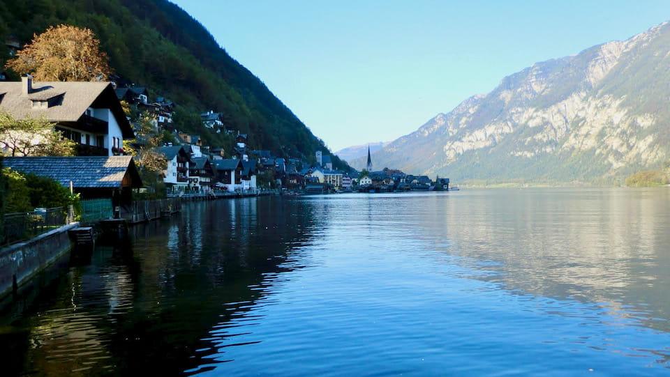 ハルシュタットの湖畔