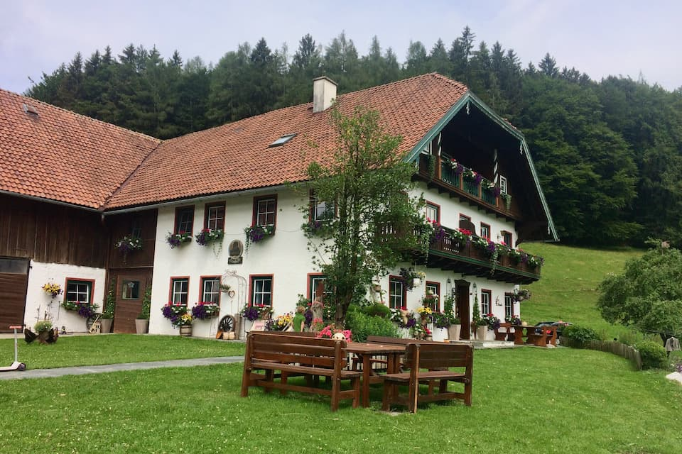 フシュル湖のホテル