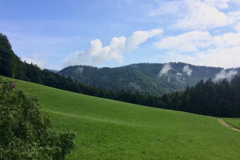 フシュル湖のホテルからの景色